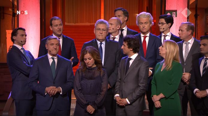 Lodewijk Asscher (PvdA), Thierry Baudet (FvD), Sybrand Buma (CDA), Mark Rutte (VVD), Rob Jetten (D66), Jesse Klaver (GroenLinks), Gert-Jan Seegers (CU), Geert Wilders (PVV), Lilian Marijnissen (SP), Henk Krol (50Plus), Kees van der Staaij (SGP), Marianne Thieme (PvdD) en Tunahan Kuzu (DENK) poseren op de trappen van het provinciehuis in Arnhem.