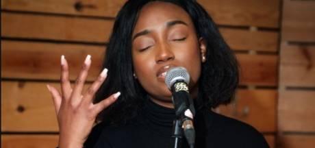 """Soulzangeres Sunday Rose (25) brengt eerbetoon aan slachtoffers Dutroux """"Vreemd hoe je toch kan opgroeien met dat leed zonder het bewust meegemaakt te hebben"""""""
