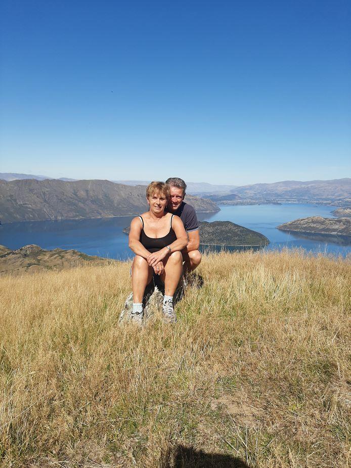 Lenie en Hans Siebers in Nieuw-Zeeland, toen ze nog konden genieten van hun vakantie