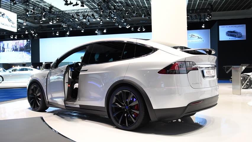 De Tesla-X van Salar Azimi zag er zo uit.