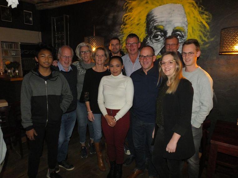De vrienden uit Landegem in 't Verdronken Eiland met Jan Van Tornhout (tweede van links), de vader van Koen.