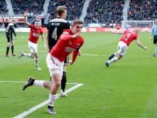 Titel voor Ajax verder weg na nederlaag bij sterk AZ