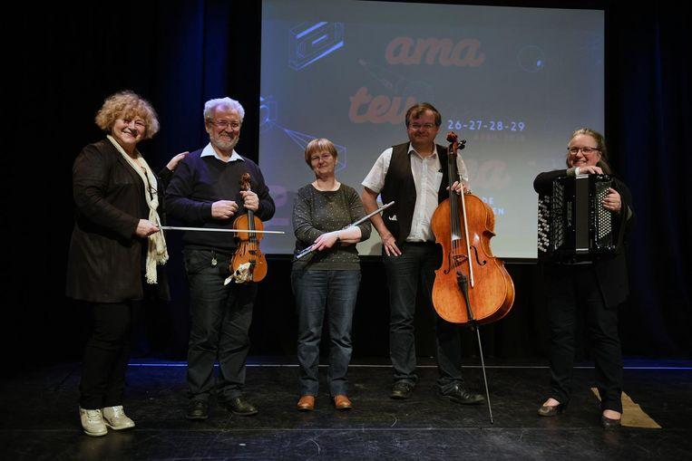 Volksorkest Jan en Alleman speelt op de voorstelling van de zesde editie van Amateurama.