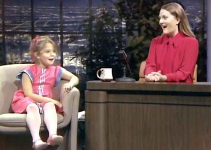 Drew Barrymore interviewt zichzelf als 7-jarige