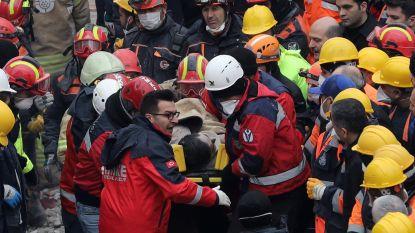 Tiener na twee dagen levend vanonder het puin gehaald in Istanbul