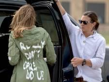 Ophef om jas Melania bij bezoek aan opvangcentrum: 'I really don't care, do u?'
