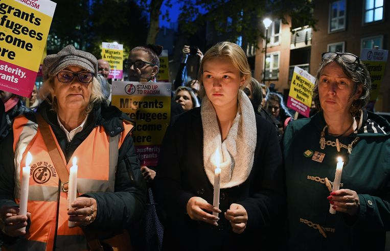 Een wake voor de 30 overleden migranten. Beeld EPA