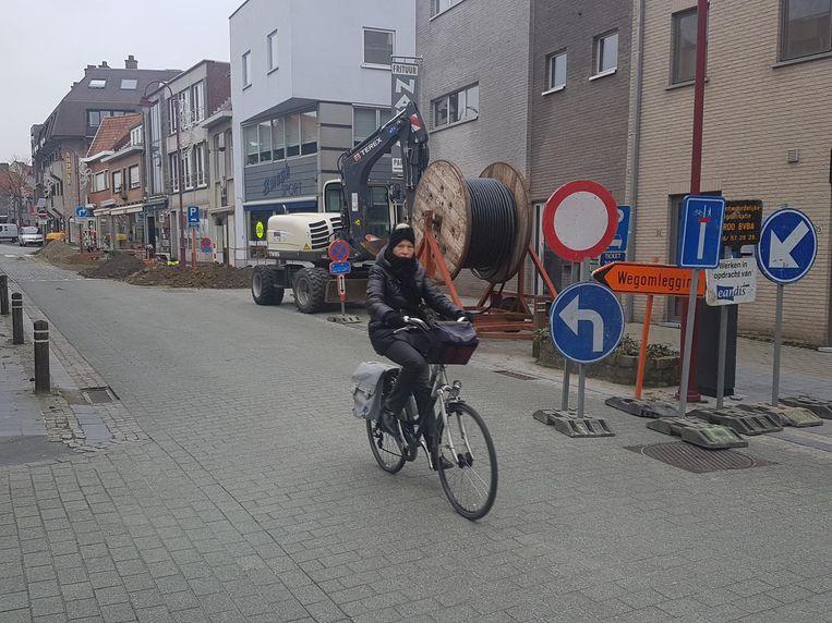 De centrumwerken in de Lostraat werden gisteren weer aangevat.