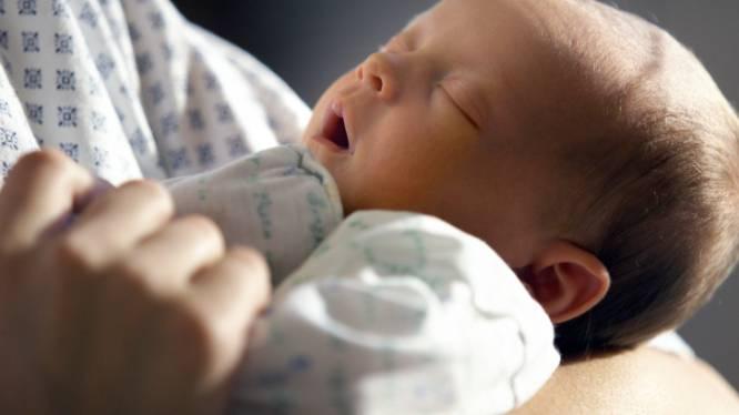 Race tegen de klok: soldaat 14 uur onderweg om bij geboorte eerste kind te zijn