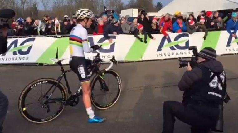 Sanne Cant applaudisseerde voor haar nicht Loes Sels die derde werd.