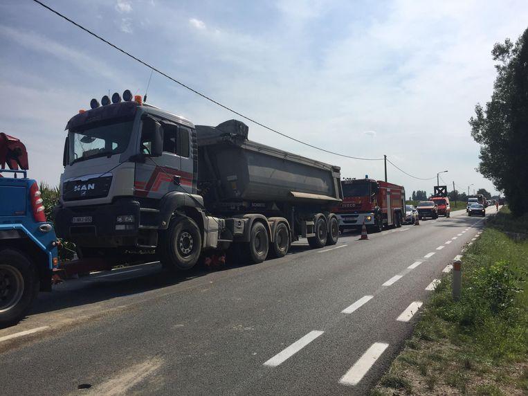 Drie vrachtwagens raakten betrokken bij een kop-staartaanrijding.