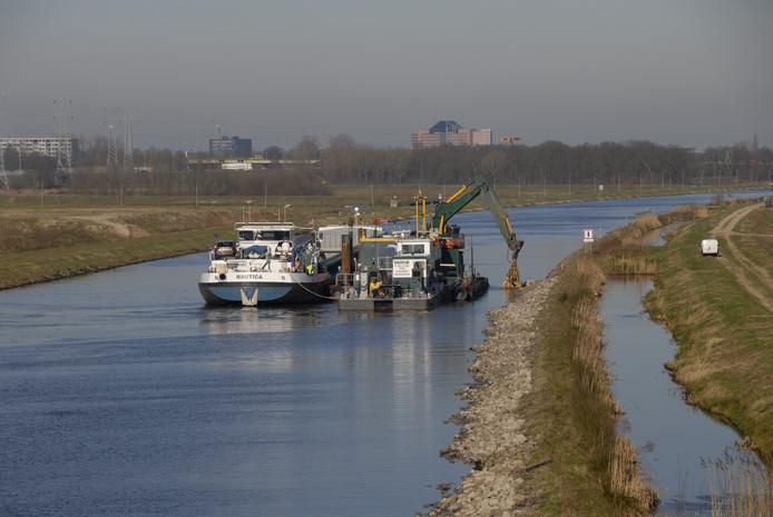 De werkzaamheden aan de oevers van het Máximakanaal zijn afgerond.  De beperkingen van de vaarsnelheid zijn opgeheven.