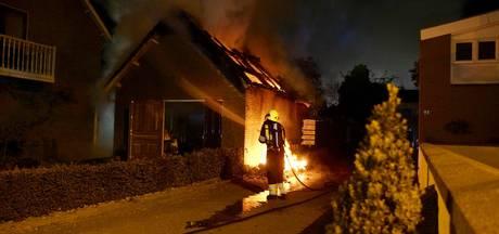 Garagebox in Deurne uitgebrand