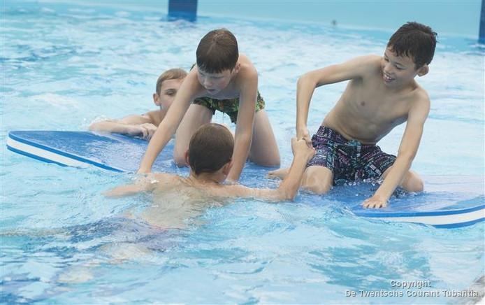 Zwembad Aquadrome bestaat 25 jaar en viert dit met oude toegangsprijzen en verschillende activiteiten