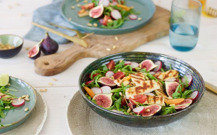 Zomerse halloumi salade met vijgen