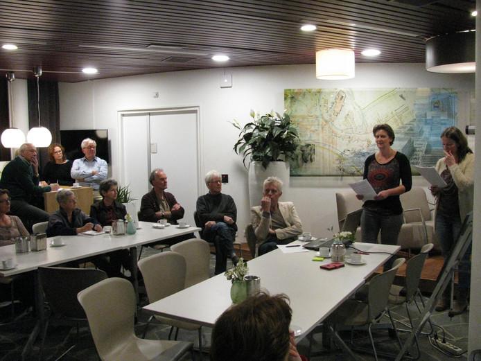Spreeksters Marianne Galema (l) en Patrica van Rooij