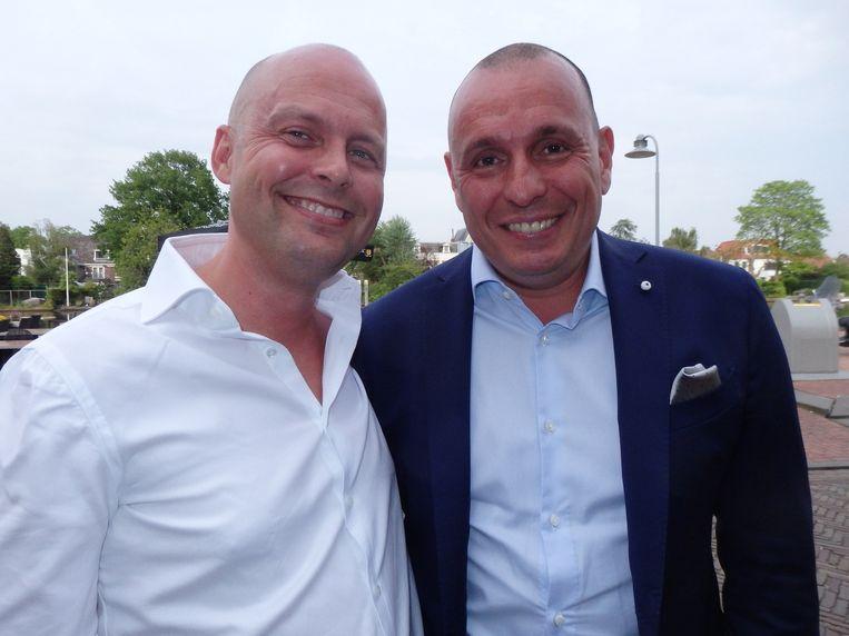 De initiators Joost Schaaff (l) en Roger Theunissen: 'WineStein is als een schaakcomputer. We pretenderen niet een topsommolier te verslaan, maar we zijn wel een leuke sparringpartner.' Beeld Schuim