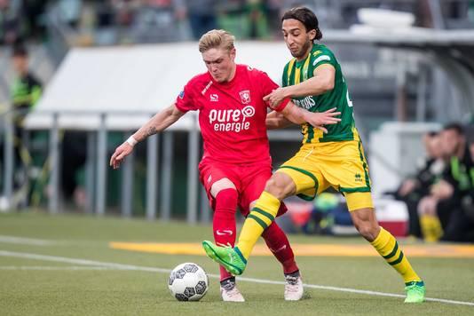 Nasser El Khayati in duel met Fredrik Jensen