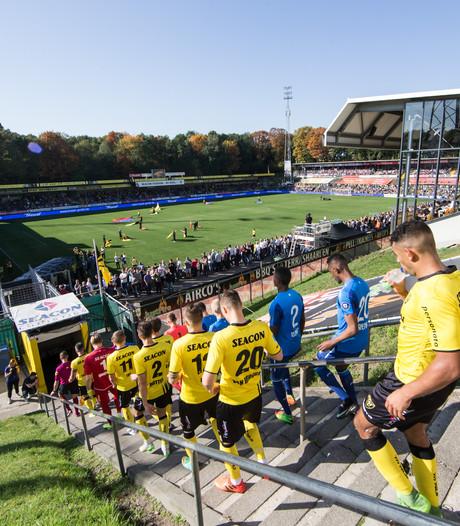 Politie nodigt VVV-supporters uit op bureau over racistische uitingen naar PSV-spelers