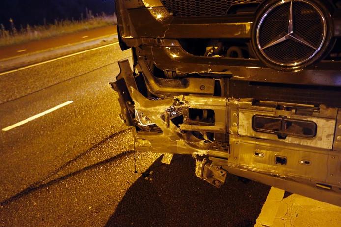 De vrachtwagen waarmee de auto in botsing kwam