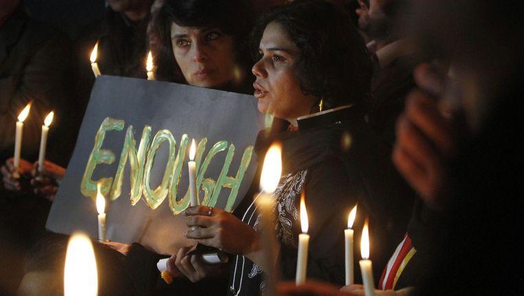 De Pakistanen hebben genoeg van het bloedvergieten. Islamabad heeft alvast beslist om opnieuw executies uit te voeren in een poging om het terreur een halt toe te roepen.
