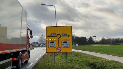 Vrachtwagens blijven door centrum Baarle rijden: extra adviesborden en desnoods zelfs camera's