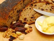 Wat smeren we met Pasen op ons krentenbrood: margarine of boter? En wat is beter?
