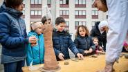 Kleikebabkraam strijkt neer in Boonwijk en dat levert ruim honderd kleipaardjes op voor Rosse Buurten