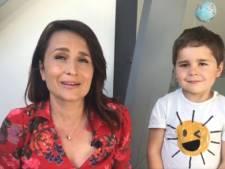 Une journaliste présente la météo avec son fils de 5 ans