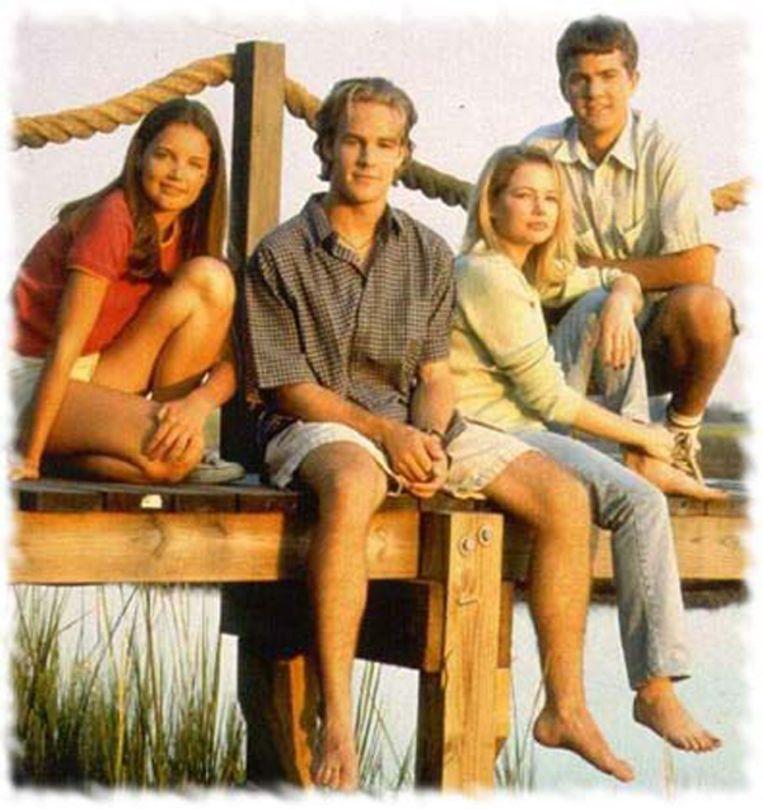 De cast van 'Dawson's Creek', met Katie Holmes helemaal links