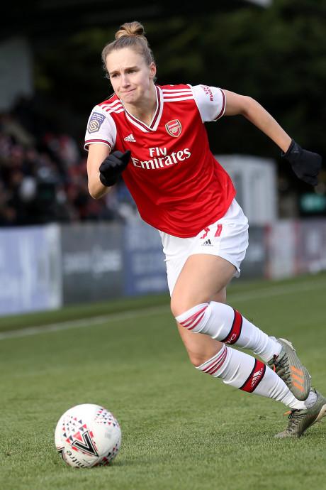 Van de Donk en Miedema houden Arsenal aan kop
