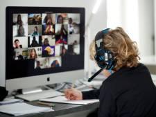 Docente wordt thuis mishandeld in Naaldwijk tijdens online les: de hele klas is getuige