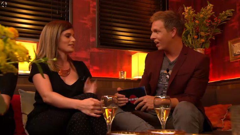 Alizé Bouw erg openhartig in een gesprek met James Cooke.