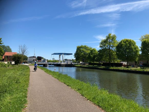 Het lichaam van de zwakbegaafde vrouw werd gevonden in het kanaal Dessel-Schoten, aan de Nieuwe Kaai in Turnhout.