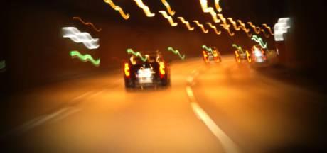 Laveloze vrachtwagenchauffeur dronk flessen port leeg tijdens het rijden: 'Geen woorden voor'