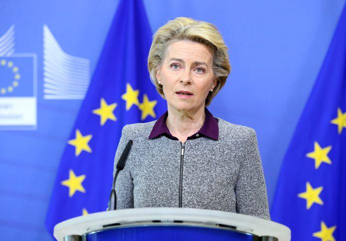 Ursula von der Leyen vraagt dat de Britse regering voldoet aan het terugtrekkingsakkoord.