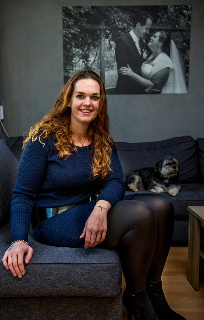 Linda Meekel wil al 10 jaar skydiven, maar was te zwaar. Nu is ze 60 kilo afgevallen en laat 538 haar wens uitkomen.