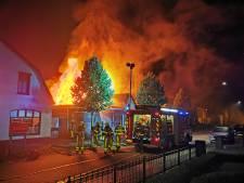 Zeer grote brand in zalencentrum en cafetaria in Loil bij Didam onder controle