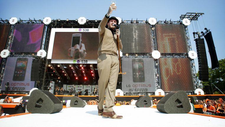 Ben Saunders tijdens het 538 Koninginnedagfeest op het Museumplein in Amsterdam. © ANP Beeld