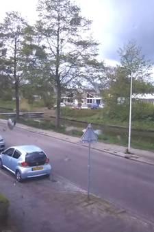 Fietsster ontsnapt aan aanrijding in Zwolle