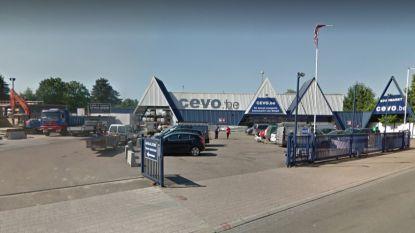 Dieven gaan aan de haal met duizenden euro's aan elektrisch gereedschap bij Cevo