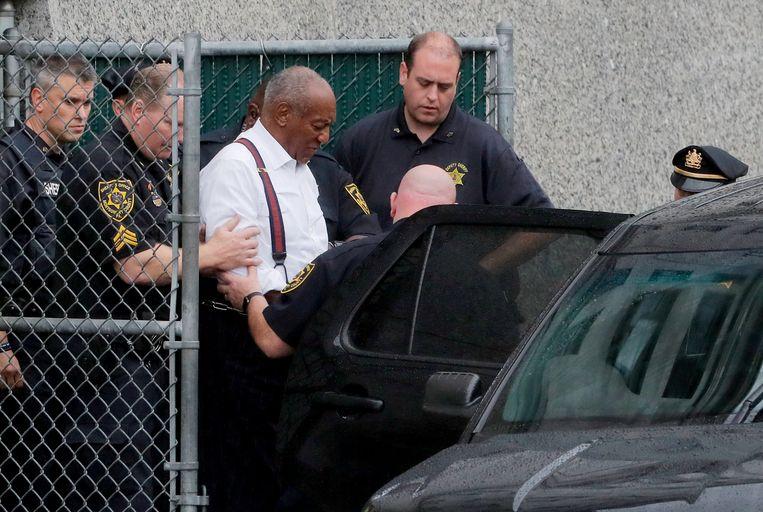 Bill Cosby verlaat de rechtbank. Archieffoto.