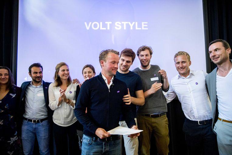 Partijvoorzitter Volt NL Reinier van Lanschot viert de oprichting van de Nederlandse tak van de pan-Europese politieke partij Volt. Beeld ANP