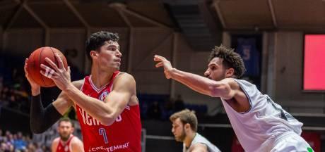 Basketbalvloer in Leeuwarden niet op tijd klaar: oefenwedstrijd tegen Heroes Den Bosch gaat niet door