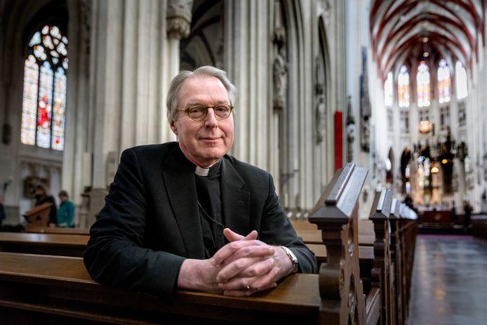 Bisschop Gerard de Korte in de banken van de Sint-Jan.