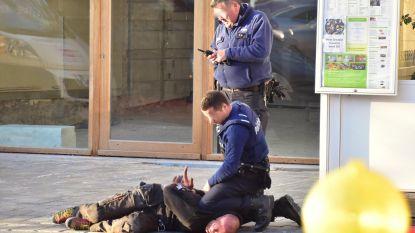 Stomdronken dakwerker schopt naar politie