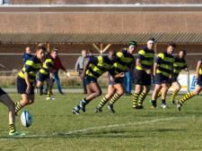 Rugbyers RC Betuwe minuut stil voor overleden zoontje van speler