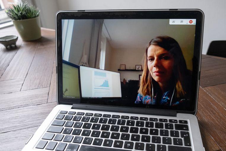 Ook datajournalist Serena Frijters van de Volkskrant werkt vanuit huis. Beeld Sabine van Wechem