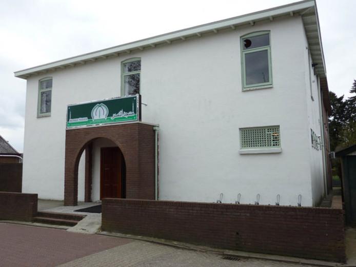 De Nasser Moskee zit nu nog aan De Heuvel in Veenendaal, maar daar zit die te krap in zijn jasje.