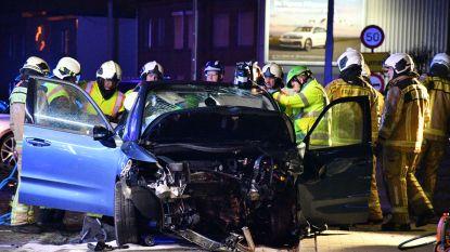 Bestuurder (58) zwaargewond na frontale crash op Reetsesteenweg